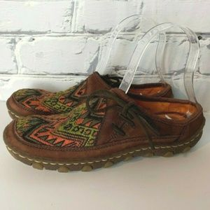 Born Shoes Size 7 Brown Suede Leather Embroidered